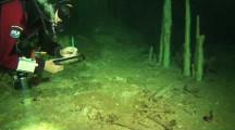 Am Tatort der Maya, Höhlentauchen